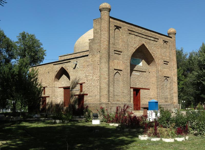 Mavzolej-karakhan